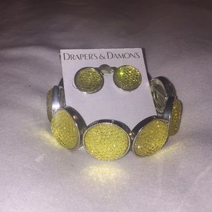 Drapers & Damon's Earrings & Bracelet Set